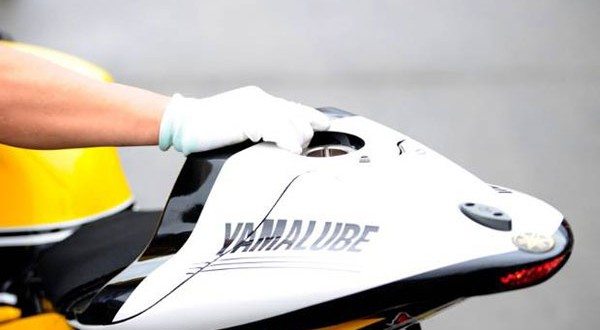 Tangki Bahan Bakar Rossi-Lorenzo Dipindah, Ini Penjelasan Yamaha