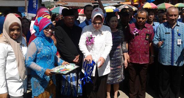 Walikota Kotamobagu Ir. Hj. Tatong Bara Resmikan Gedung Pasar 23 Maret