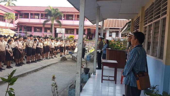 Satlantas Polres Bolmong Gelar  Bimbingan dan Penyuluhan UUD Lalu Lintas di SMP Kristen Kotamobagu