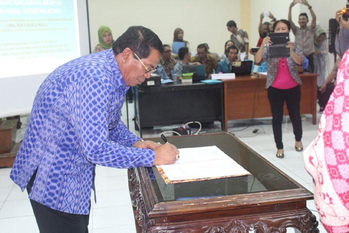 Gelar Musrembang Bupati Bolmong Tanda Tangani berita Acara Hasil Kesepakatan Musrenbang