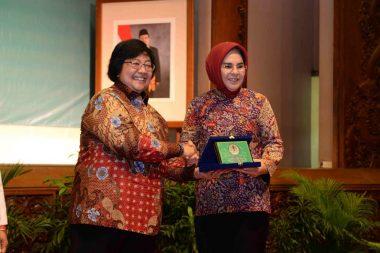 Pemkot Kotamobagu Terima Penghargaan Kampung Iklim Dari KLH