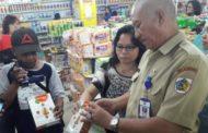 Lakukan Sidak, Disperdag Kotamobagu Temukan  Makanan Kadarluarsa di Toko Dragon Dan Abdi Karya