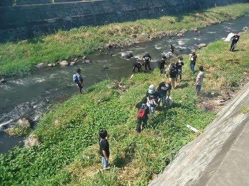 Peringati Hari Sampah Nasional AKBS dan Masyarakat Gelar Minggu Bersih