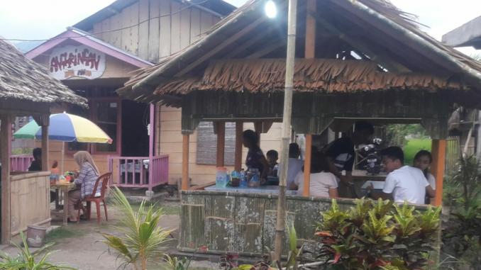 Jajakan Makanan Dengan Harga Yang Murah Cafe Angkringan Jadi Solusi Warga Kotamobagu Berburu Kuliner