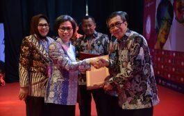Hadiri Peringatan Hari Hak Asasi Manusia Sedunia, Bupati Bolmong Terima Penghargaan Dari Kemenkumham