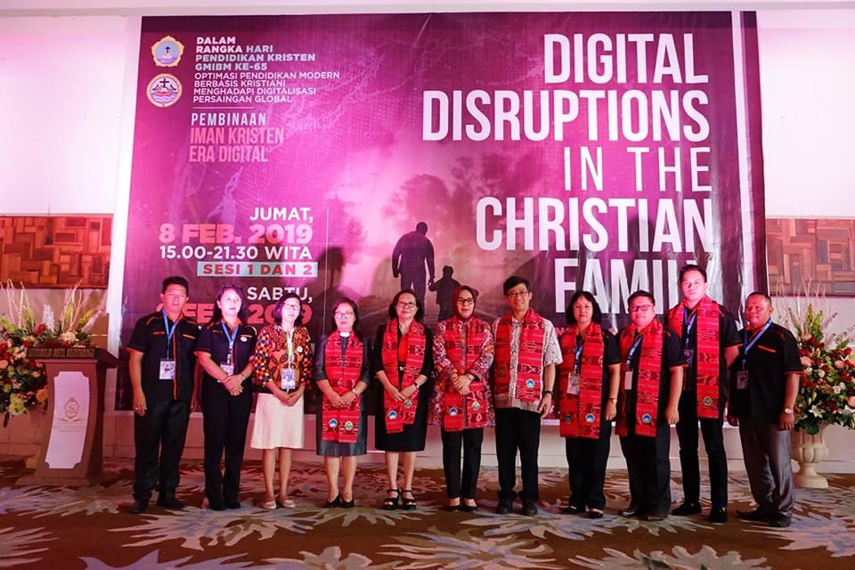 Walikota Kotamobagu Hadiri Kegitan Pembinaan Iman Kristen di Era Digital