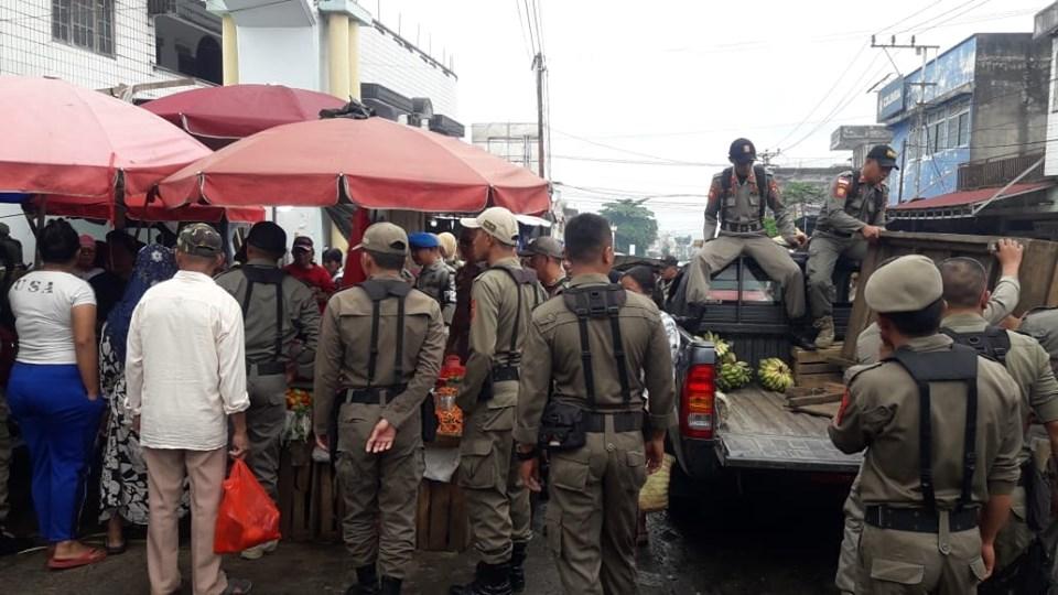 Pemkot Kotamobagu Tertibkan Pedagang Pasar 23 Maret