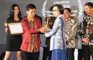 Bupati Bolmong Terima Penghargaan Indonesia Attractiveness Award 2019
