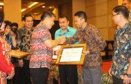 Kotamobagu Terima Piagam Penghargaan Keterbukaan Informasi Publik