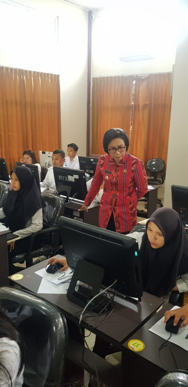 Bupati Bolmong Pantau Langsung Tes Ujian CPNS