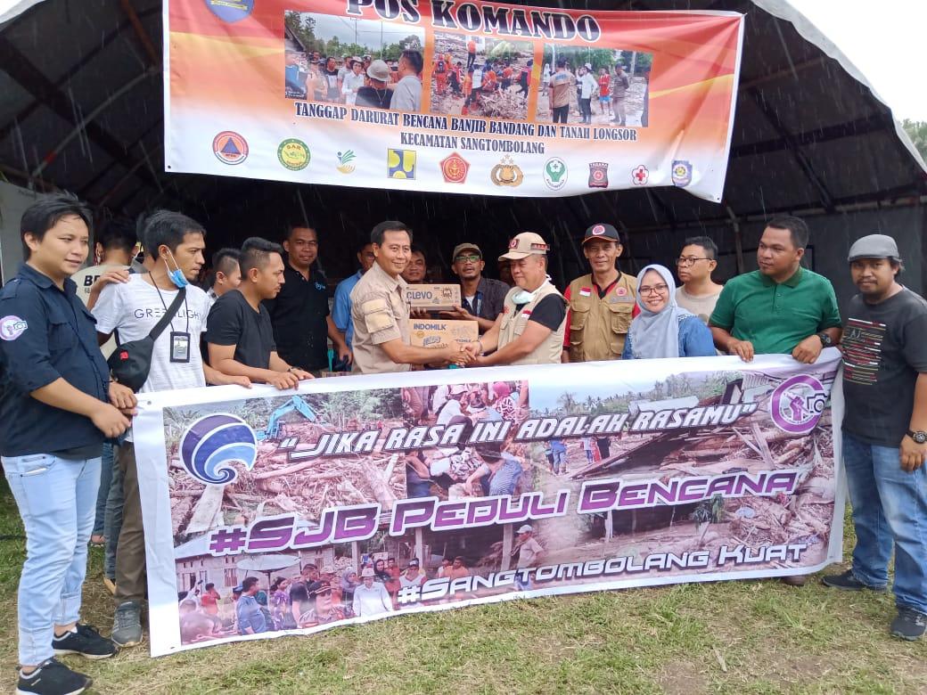 Selain Berikan Bantuan Korban Banjir Bandang, Kominfo Bolmong Dan SJB Bantu Bersihkan Rumah Warga