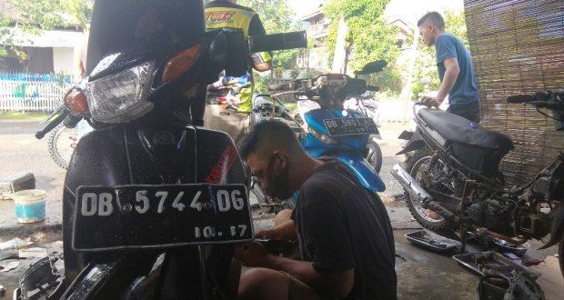 Berkah Diujung Ramadhan Untuk Bengkel Motor Ini