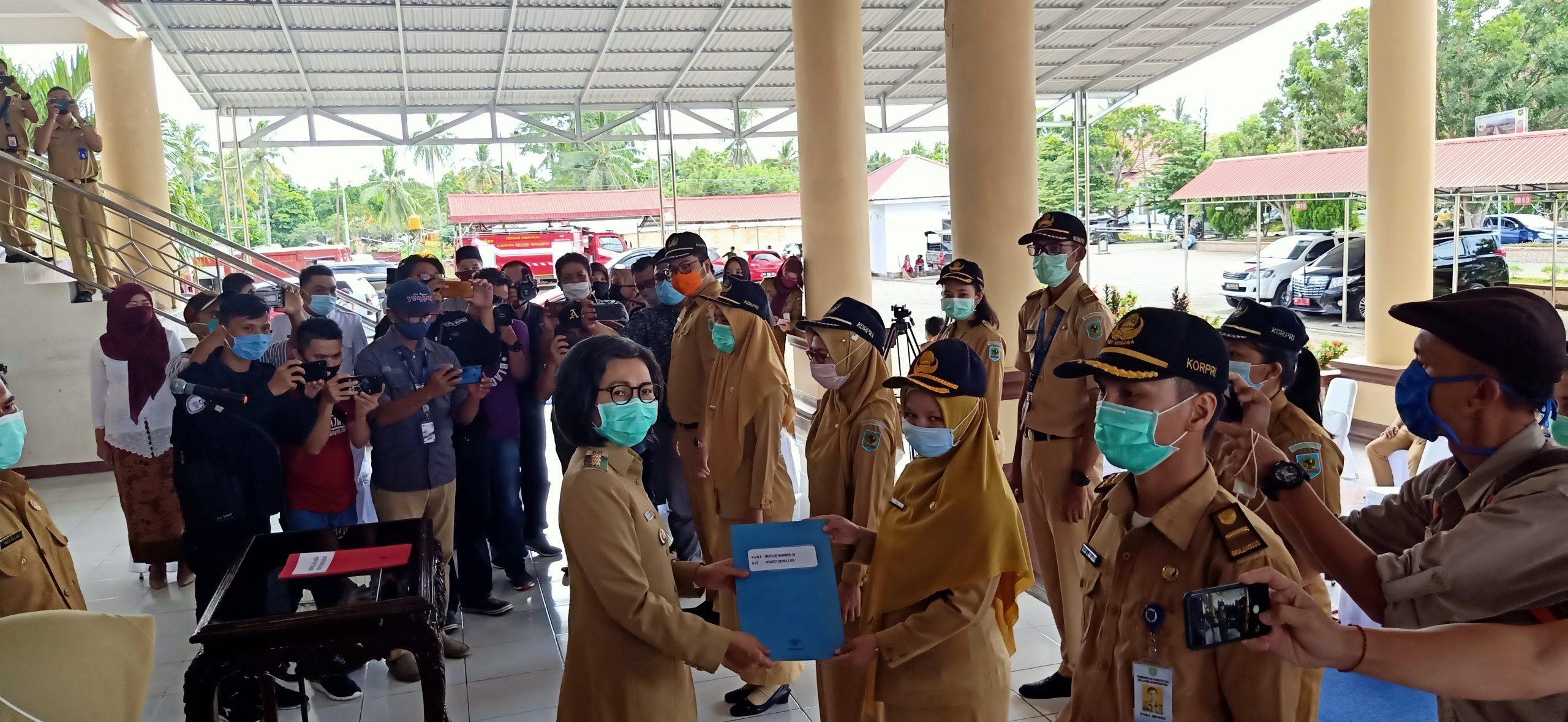 Selain Serahkan SK CPNS Tahun 2019, Bupati Lantik Sejumlah Pejabat Teras Pemkab Bolmong
