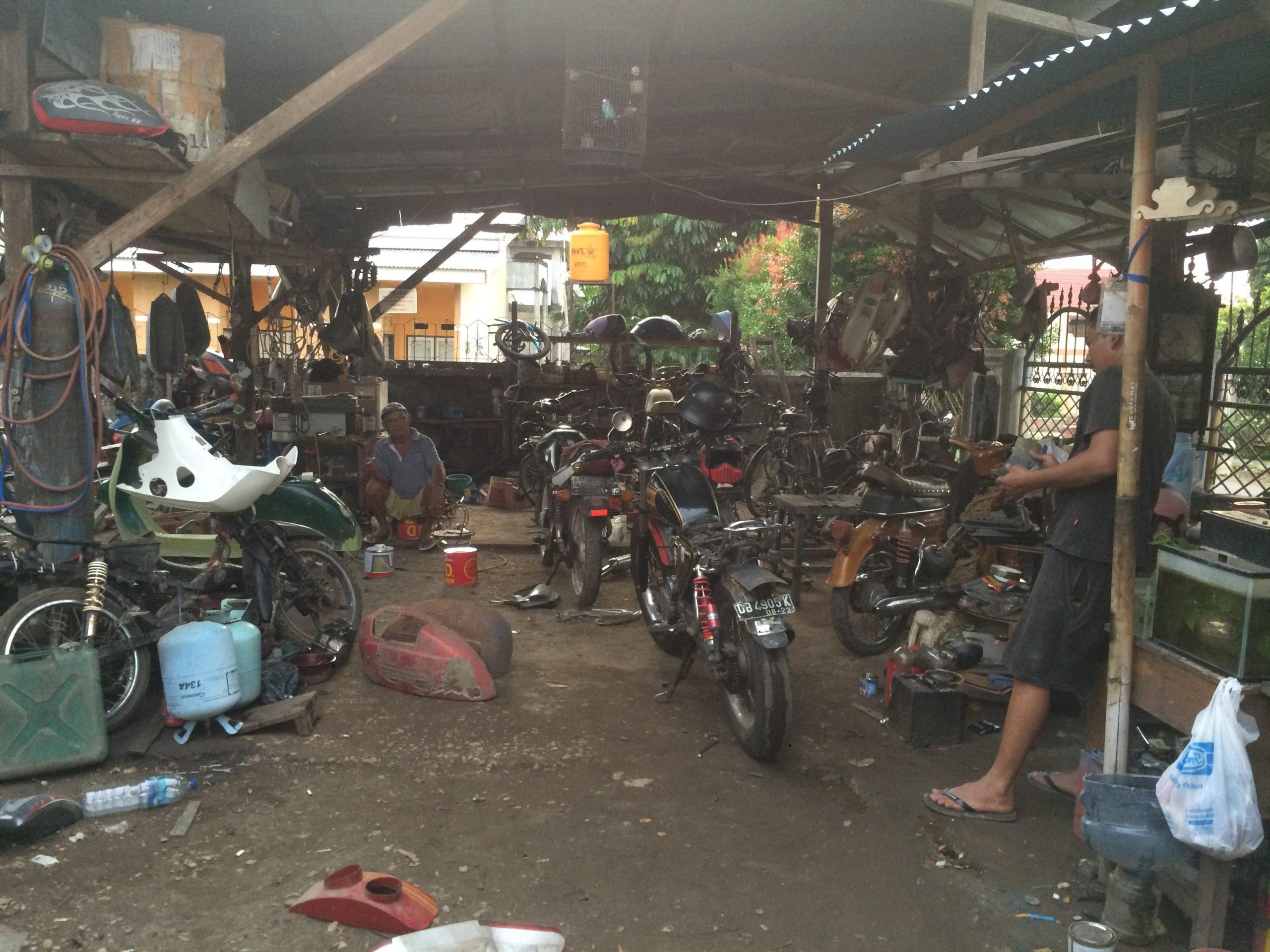 Bisnis Motor Klasik Milik Ahmad, Banyak Penggemar.