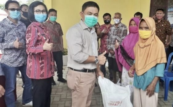Ketua DPRD Suport Penyaluran Bantuan Pemkab Bolmong Pada Masyarakat