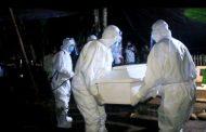 Para Pejabat Pemkab Bolmong Kebumikan  Jenazah Pasien PDP