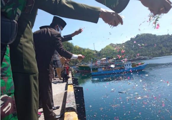 Peringati Hari Pahlawan Pemkab Bolmong Gelar Upacara Pelarungan Bunga