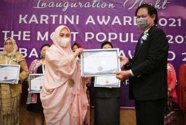 Chelsia Paputungan Terima Penghargaan Kartini Award 2021 dari IHRD Foundation