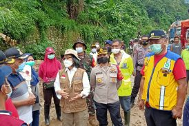 Tinjau Lokasi Bencana Alam, Yasti Pastikan Senin Korban Bencana Terima Bantuan