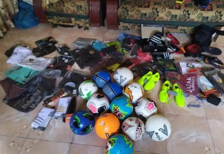 J-Sport Online Shop Sediakan Perlengkapan Olahraga Sepakbola Berkualitas.