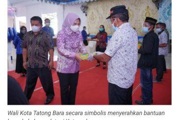 Wali Kota Serahkan Bantuan Beras bagi KPM PKH-BST dan Bantuan BUSD kepada Poktan.