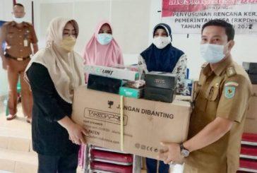 Kelompok Usaha Perempuan Terima Bantuan Dari DP3A Bolmong