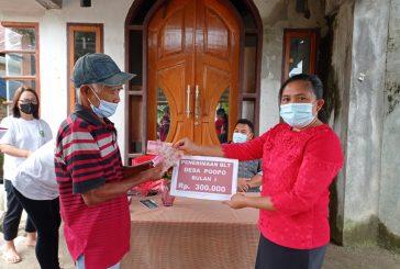 Warga Desa Poopo Terima Bantuan Langsung Tunai Dana Desa