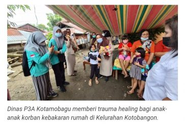 Dinas P3A Kotamobagu Beri Trauma Healing Bagi Anak-anak Korban Kebakaran.