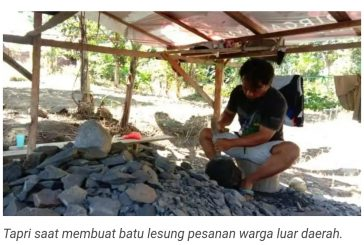 Batu Lesung Buatan Tapri Diminati Warga Luar Daerah.