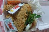 Bermodalkan Medsos, Yuli Raup Penghasilan dari Usaha Jualan Ayam Geprek dan Piscok.